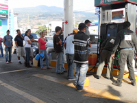 Chiapas se queda sin combustible por compras de pánico ante bloqueos de CNTE