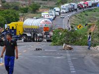 Autotransporte vive su peor momento por bloqueos y medidas ambientales: Canacar