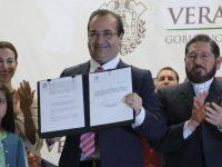 Javier Duarte promulga Ley Antiaborto en Veracruz