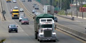 Leyes_transporte_con_barreras_a_la_competencia_Alcaldes_de_Mexico_Agosto_2016