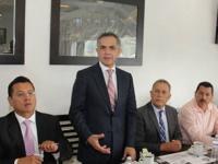 Mancera pide a alcaldes impulsar el incremento al salario mínimo