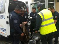 Normalistas de Michoacán liberan a jefe de la policía municipal de Chilchota