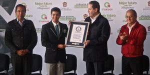 Edomex_recibe_certificado_Guinness_Alcaldes_de_Mexico_Septiembre_2016
