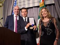 Enrique Peña Nieto recibe Premio al Estadista en Nueva York