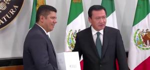 Entrega_Ososrio_Informe_sin_Iniciativa_preferente_Alcaldes_de_Mexico_Agosto_2016