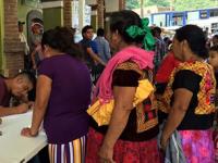 Mujeres votan por primera vez en un municipio de Oaxaca