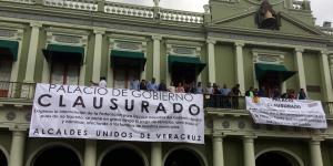 alcaldes_veracruz_clausuran_palacio_de_gobierno_alcaldes_de_mexico_octubre_2016