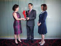 Recibe alcalde de Hermosillo el Premio a las Mejores Prácticas de Gobiernos Locales