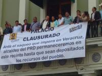 Al menos 33 ayuntamientos de Veracruz cierran por falta de recursos