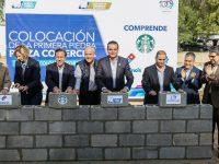 Enrique Rivas coloca primera piedra de plaza comercial que generará 120 empleos en Nuevo Laredo