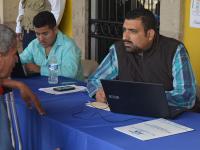 """Bajan precios de gasolina en municipio de Colima """"por error de dedo"""""""