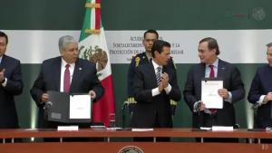firma_convenio_fortalecimiento_economia_alcaldes_de_mexico_enero_2017
