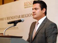 Gobernador de Jalisco busca apoyo a migrantes en California, EU