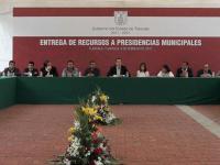 Marco Mena se reúne con los alcaldes de Tlaxcala y pide ser referente nacional