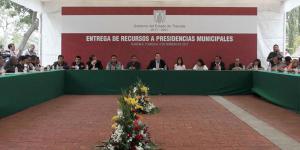 marco_mena_reunion_alcaldes_tlaxcala_alcaldes_de_mexico_febrero_2017