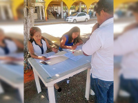 Alcalde de Oaxaca niega oficinas a regidoras en edificio municipal