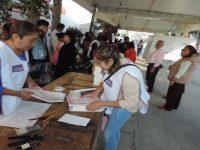 Acuden candidatos y gobernadores a votar