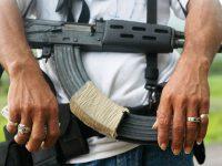 Grupos delictivos amenazan a ayuntamiento de Aguililla, Michoacán