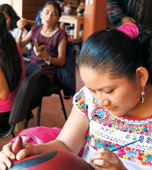 Cultura, motor del desarrollo indígena