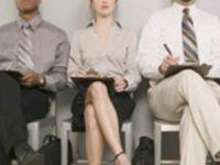 Profesionistas desempleados: una carrera de obstáculos