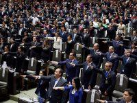 Dejan su cargo 15 legisladores federales para buscar candidatura