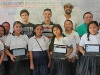Llevan tecnología educativa a comunidades rurales de México
