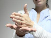 Proponen fomentar aprendizaje de lenguaje de señas en escuelas públicas