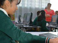 Cerrar brecha digital, tecnológica y de género, meta de México