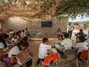 El 42% de las escuelas de México no cuentan con drenaje, alerta la CNDH